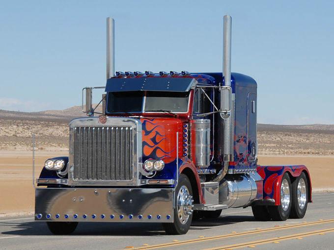 Optimus Prime - Peterbilt 379